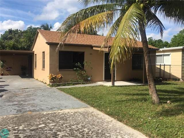 1015 S B Street, Lake Worth, FL 33460 (MLS #F10260439) :: United Realty Group