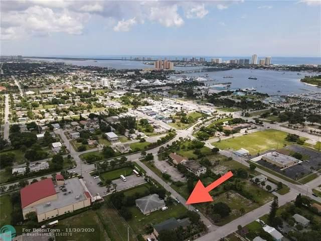 1109 Wright, Riviera Beach, FL 33404 (MLS #F10260633) :: Berkshire Hathaway HomeServices EWM Realty