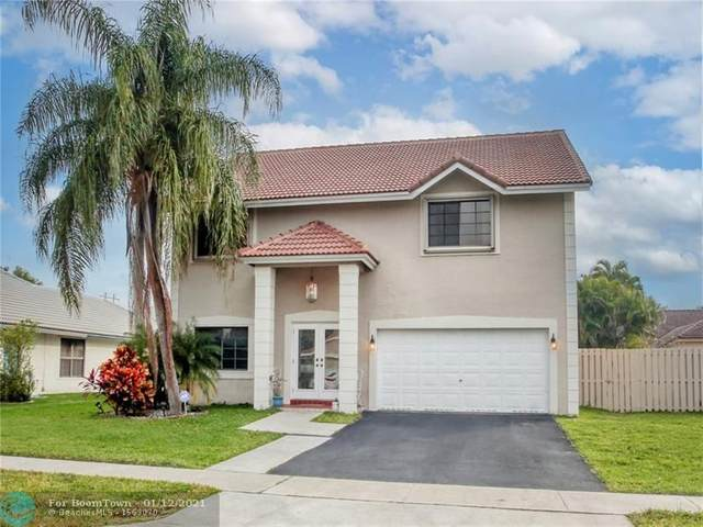 520 Sumter Ave, Davie, FL 33325 (MLS #F10265577) :: Laurie Finkelstein Reader Team