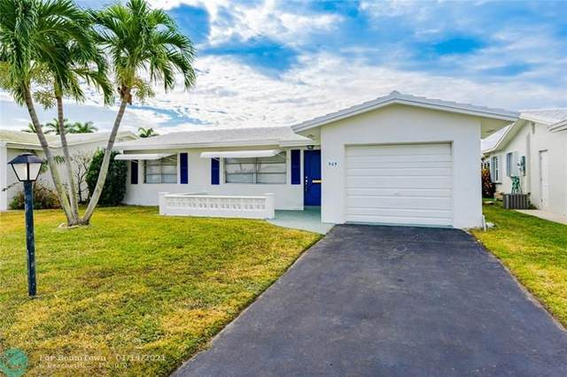 903 SW 18th St, Boynton Beach, FL 33426 (MLS #F10266464) :: THE BANNON GROUP at RE/MAX CONSULTANTS REALTY I