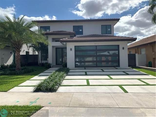 8712 NW 146th Ln, Miami Lakes, FL 33018 (MLS #F10266680) :: Berkshire Hathaway HomeServices EWM Realty
