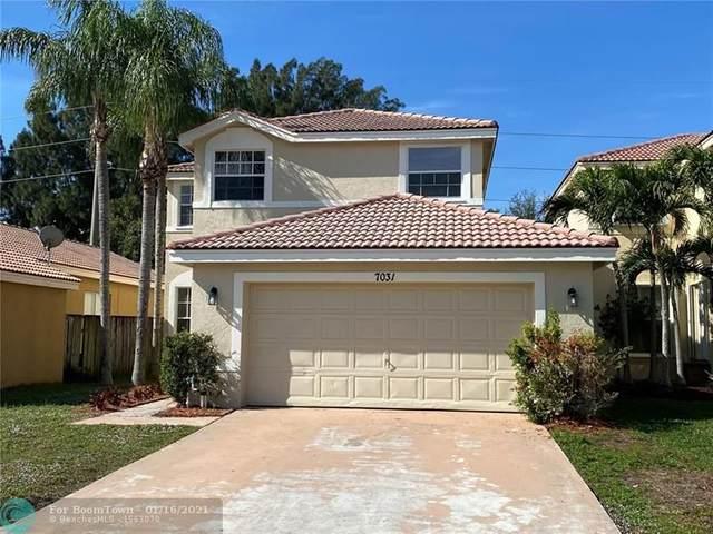 7031 Chesapeake Cir, Boynton Beach, FL 33436 (MLS #F10266935) :: Miami Villa Group