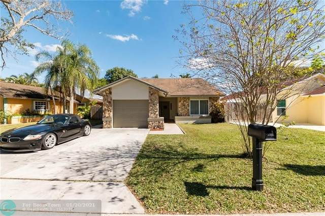 5670 SW 99th Ln, Cooper City, FL 33328 (MLS #F10267065) :: United Realty Group