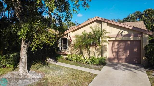 4346 Acacia Cir, Coconut Creek, FL 33066 (MLS #F10268070) :: Castelli Real Estate Services
