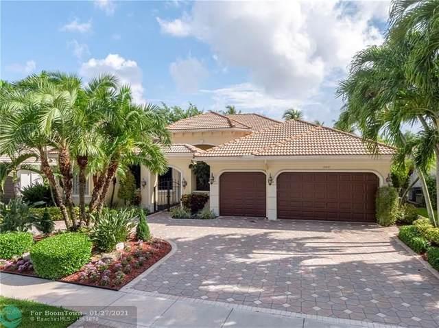 10887 Blue Palm St, Plantation, FL 33324 (MLS #F10268447) :: Laurie Finkelstein Reader Team