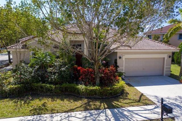 3857 Heron Ridge Ln, Weston, FL 33331 (MLS #F10268552) :: United Realty Group