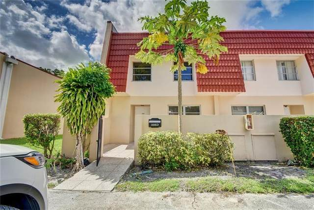 3962 Inverrary Dr A3, Lauderhill, FL 33319 (#F10269905) :: Realty One Group ENGAGE