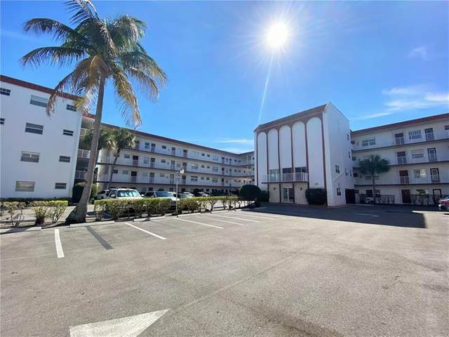 4270 NW 40th St #413, Lauderdale Lakes, FL 33319 (MLS #F10270224) :: Green Realty Properties