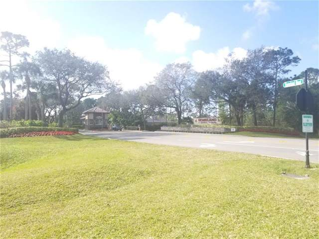 5696 Homeland Rd, Lake Worth, FL 33449 (#F10270335) :: Realty One Group ENGAGE