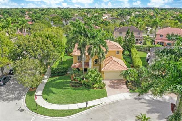 1039 Sunflower Cir, Weston, FL 33327 (MLS #F10272658) :: United Realty Group