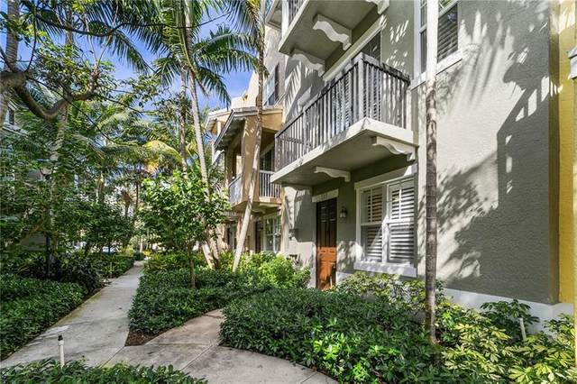 111 E Coda Cir, Delray Beach, FL 33444 (MLS #F10272873) :: Dalton Wade Real Estate Group