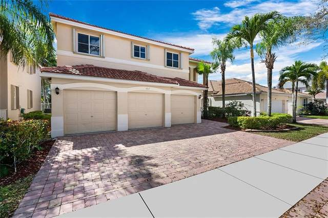4317 Laurel Ridge Circle, Weston, FL 33331 (MLS #F10273317) :: Berkshire Hathaway HomeServices EWM Realty