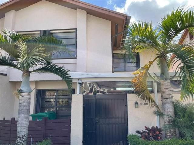 8186 NW 98th Ln #8186, Miami Lakes, FL 33016 (MLS #F10273774) :: Berkshire Hathaway HomeServices EWM Realty