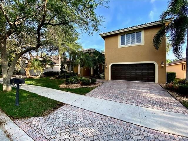 2634 Oakbrook Dr, Weston, FL 33332 (MLS #F10274133) :: Green Realty Properties