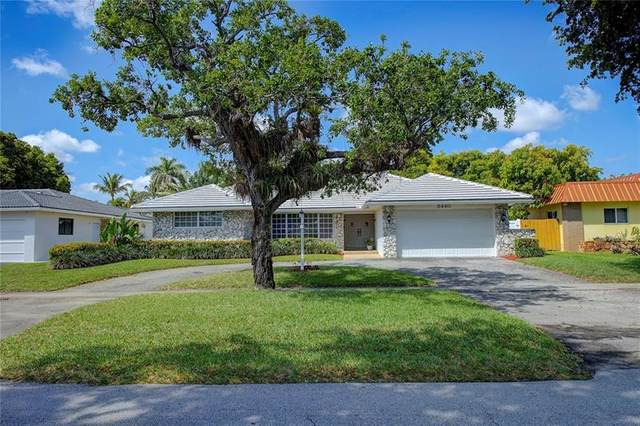 3440 N Park Rd, Hollywood, FL 33021 (MLS #F10275085) :: The Howland Group