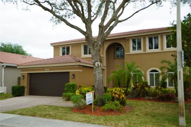1700 SW 106th Ter, Davie, FL 33324 (MLS #F10275385) :: The Paiz Group