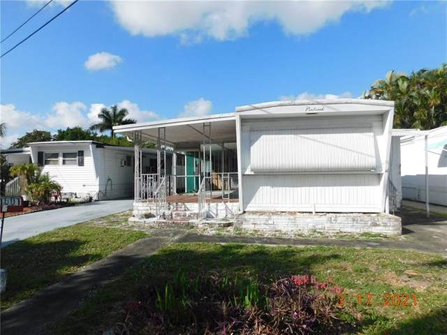 1601 SW 87th Ter, Davie, FL 33324 (MLS #F10275781) :: The Howland Group