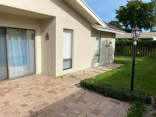 2382 NW 30th St, Boca Raton, FL 33431 (MLS #F10277145) :: The Paiz Group