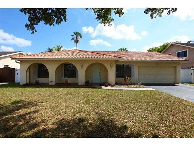 8692 SW 55th St, Cooper City, FL 33328 (MLS #F10277302) :: The Jack Coden Group