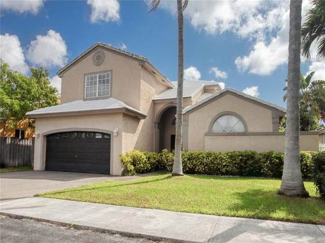 3212 NW 22nd Ave, Oakland Park, FL 33309 (MLS #F10277506) :: The Paiz Group
