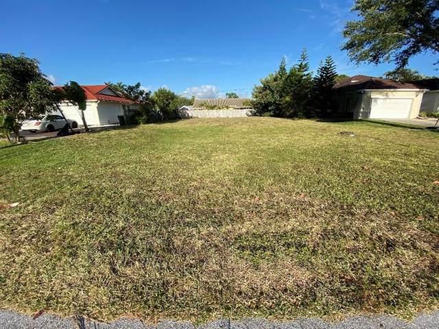 7537 W Country Club Blvd, Boca Raton, FL 33487 (#F10277892) :: Posh Properties