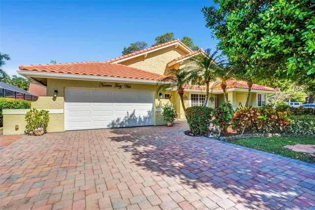 1940 W Oak Knoll Cir, Davie, FL 33324 (MLS #F10278198) :: Dalton Wade Real Estate Group
