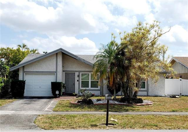 8202 SW 14th Ct, North Lauderdale, FL 33068 (MLS #F10278791) :: The Howland Group