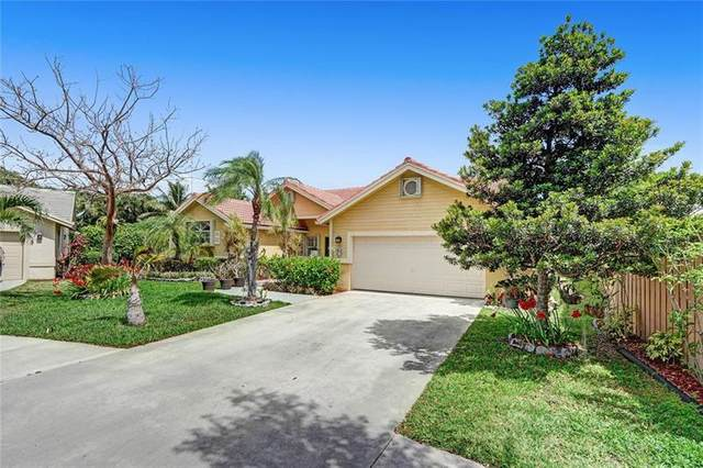 2005 Lakeshore Dr, Weston, FL 33326 (MLS #F10279190) :: The Howland Group