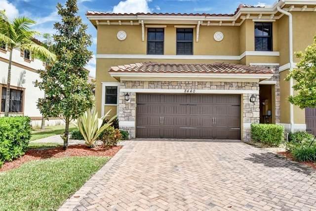 8440 Blue Cove Way #8440, Parkland, FL 33076 (MLS #F10279534) :: Berkshire Hathaway HomeServices EWM Realty