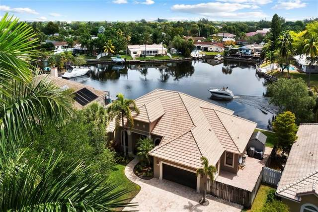 2060 SW 59th Ave, Plantation, FL 33317 (MLS #F10279849) :: The Howland Group