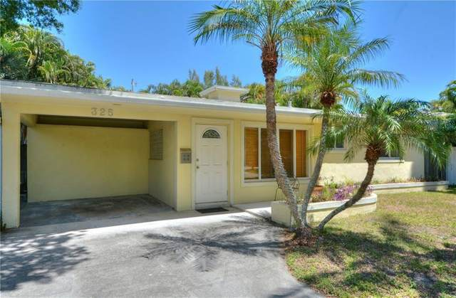 325 NE 30th St, Wilton Manors, FL 33334 (MLS #F10280309) :: Castelli Real Estate Services