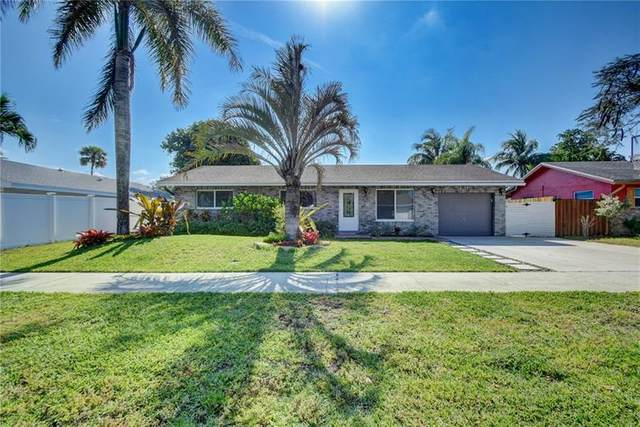 1318 SW 25th Ave, Deerfield Beach, FL 33442 (#F10280634) :: Signature International Real Estate