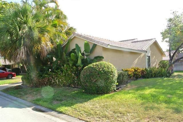9905 61st Way, Boynton Beach, FL 33437 (MLS #F10280689) :: The Paiz Group