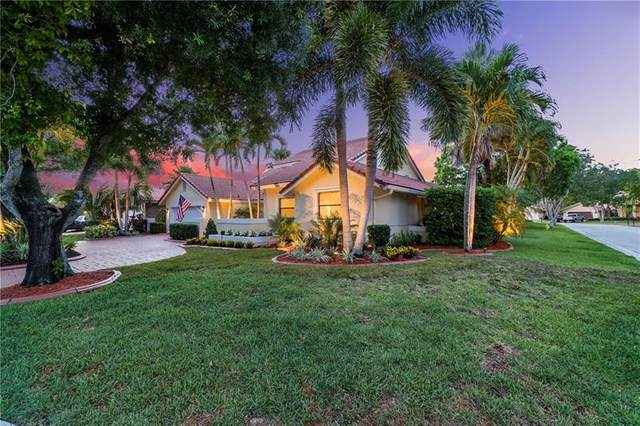 11707 Greenbrier Ln, Coral Springs, FL 33071 (MLS #F10280752) :: Castelli Real Estate Services