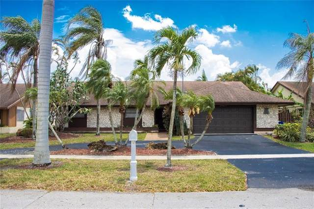 1611 NW 114th Ave, Pembroke Pines, FL 33026 (MLS #F10280892) :: United Realty Group