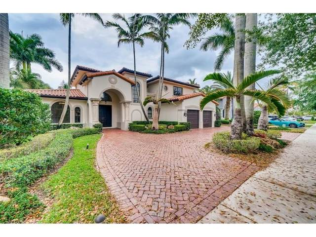 8051 NW 159th Ter, Miami Lakes, FL 33016 (MLS #F10282308) :: Berkshire Hathaway HomeServices EWM Realty
