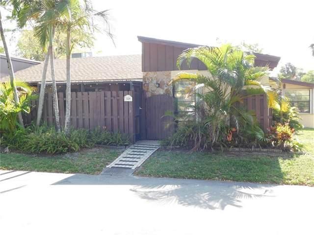 528 Briarwood Cir #528, Hollywood, FL 33024 (MLS #F10282394) :: Castelli Real Estate Services