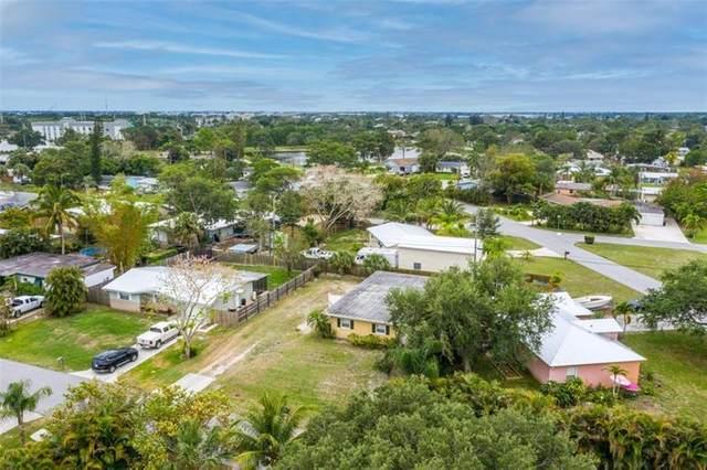 1090 NW 16th St, Stuart, FL 34994 (#F10282715) :: Posh Properties