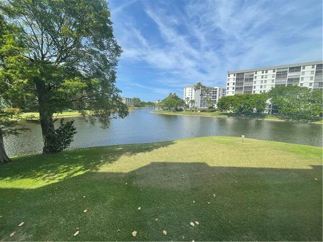 2309 S Cypress Bend Dr #213, Pompano Beach, FL 33069 (#F10282890) :: Posh Properties