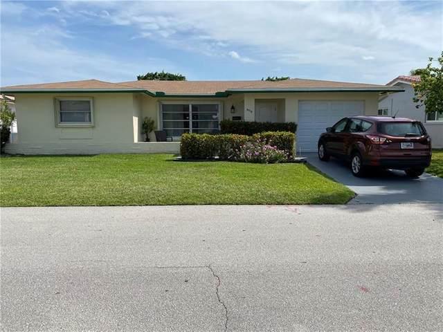 4918 NW 52nd St, Tamarac, FL 33319 (MLS #F10283122) :: The Howland Group