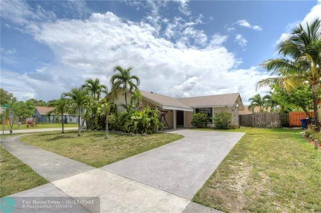 400 SW 75th Way, North Lauderdale, FL 33068 (MLS #F10283365) :: The Howland Group