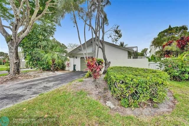 820 NW 21st Way, Delray Beach, FL 33445 (MLS #F10284449) :: Castelli Real Estate Services