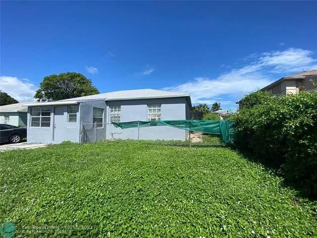 824 W 2nd St, Riviera Beach, FL 33404 (MLS #F10284453) :: Miami Villa Group