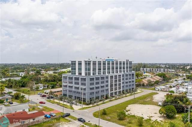 800 SE 4th Ave #806, Hallandale Beach, FL 33009 (MLS #F10285722) :: Berkshire Hathaway HomeServices EWM Realty