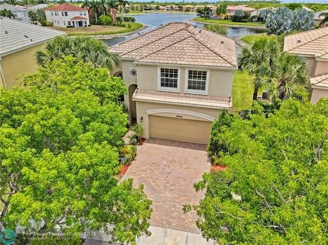 9866 Scribner Ln, Wellington, FL 33414 (#F10286788) :: Michael Kaufman Real Estate