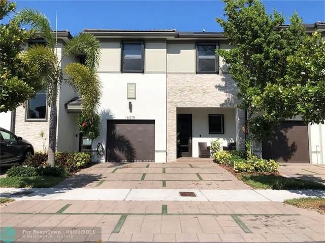 16019 NW 91st Ct #16019, Miami Lakes, FL 33018 (MLS #F10286812) :: Berkshire Hathaway HomeServices EWM Realty