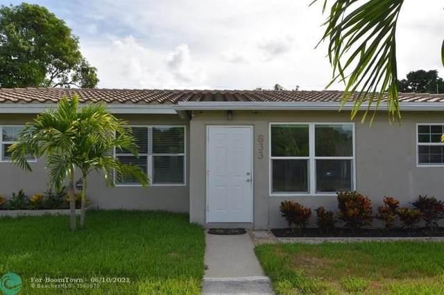 833 Fairway Dr, Plantation, FL 33317 (MLS #F10288277) :: Berkshire Hathaway HomeServices EWM Realty
