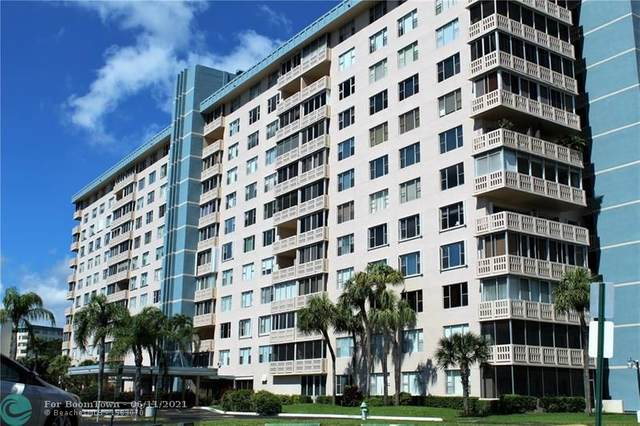 4001 Hillcrest Dr #211, Hollywood, FL 33021 (MLS #F10288411) :: Berkshire Hathaway HomeServices EWM Realty