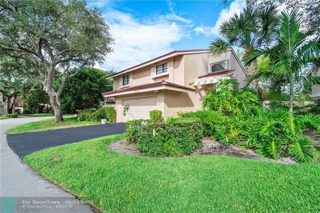 619 Hollows Circle, Deerfield Beach, FL 33442 (MLS #F10288635) :: Berkshire Hathaway HomeServices EWM Realty