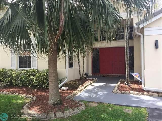 3205 Maple Ln, Davie, FL 33328 (MLS #F10290107) :: Green Realty Properties